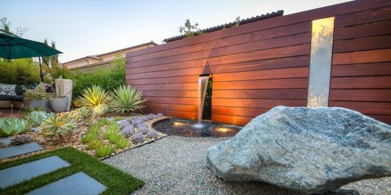 jardín zen agua luz