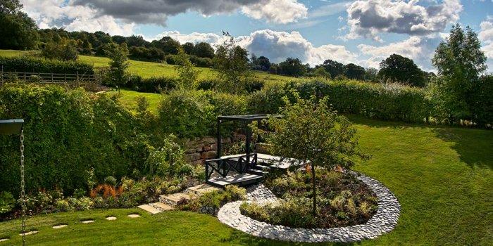 jardines piedras muebles colores simples
