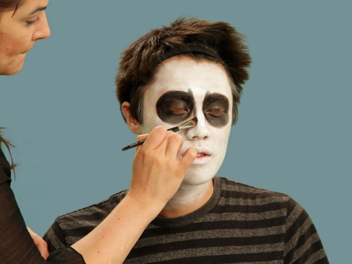 los esqueletos definiendo nariz cuarta fiestas