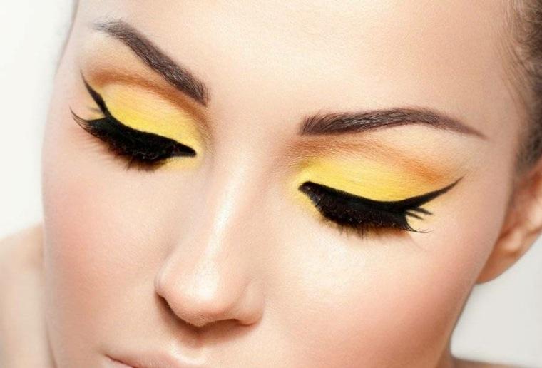 maquillarse los ojos amarillo