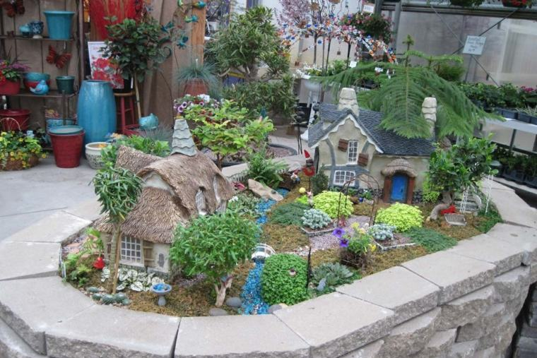 Miniaturas 24 ideas de jardines en miniatura m gicos - Casitas en macetas ...