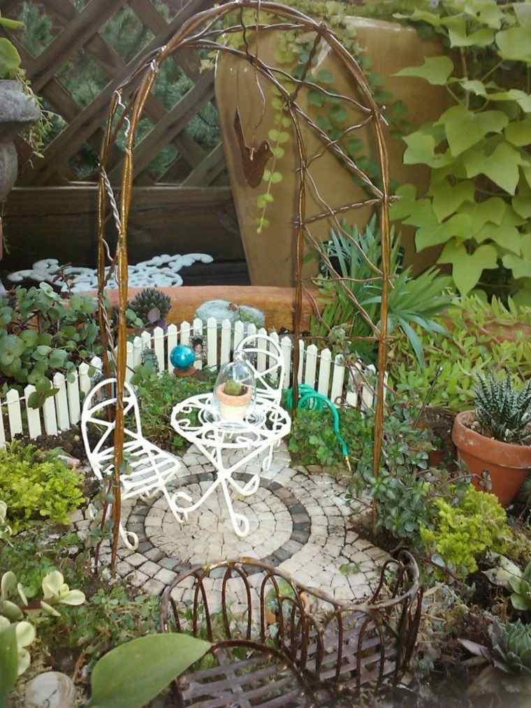 miniaturas - 24 ideas de jardines en miniatura mágicos -