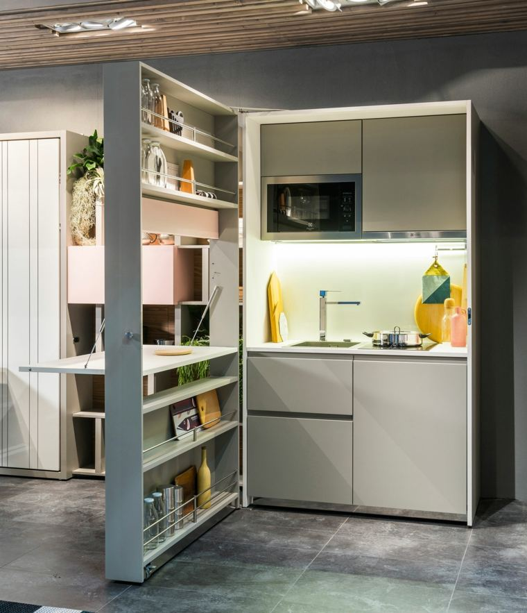 Los muebles auxiliares pueden ser de madera o metal o también de