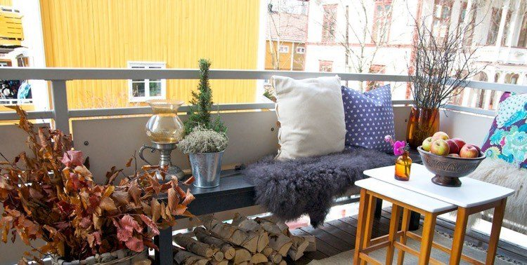 ramas hojas secas balcon pequeno ideas