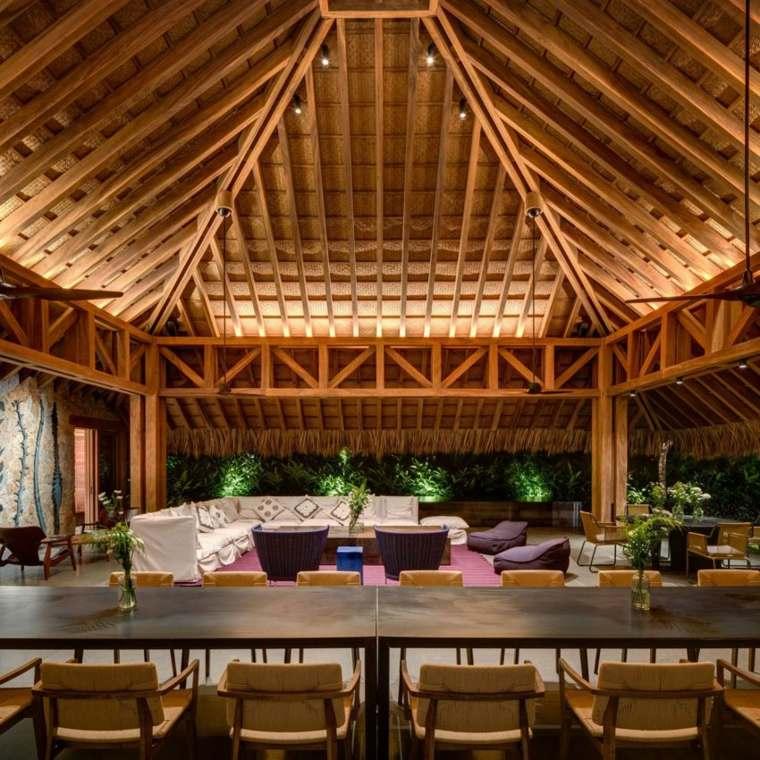 salon comedor techo madera