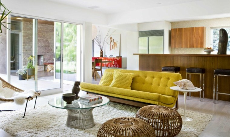 salones vintage sofa color amarillo vibrante ideas