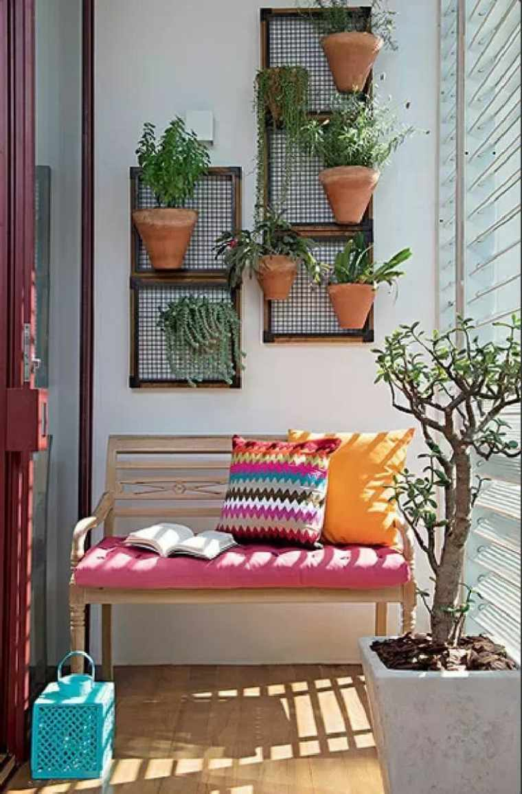 terrazas decoradas con plantas paredes