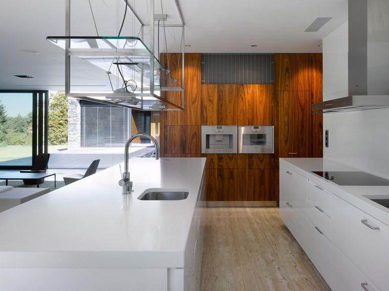 textura madera diseno cocina muebles blancos luminoso ideas