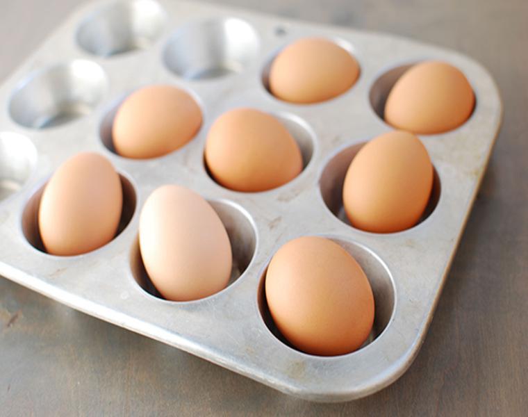 usar cubitera hielo almacenar huevos