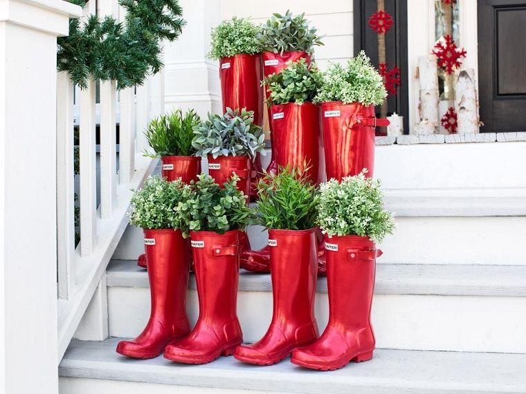 adornos navidenos originales jardin botas rojas ideas