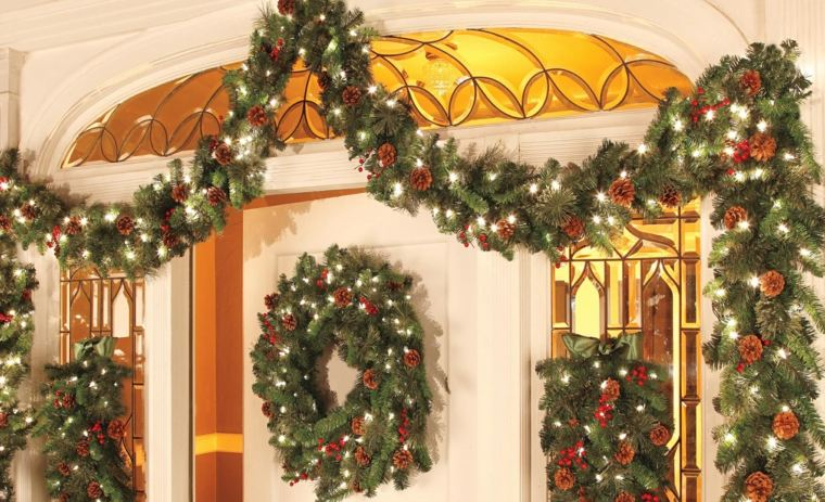 Lighted Christmas Garland Outdoor