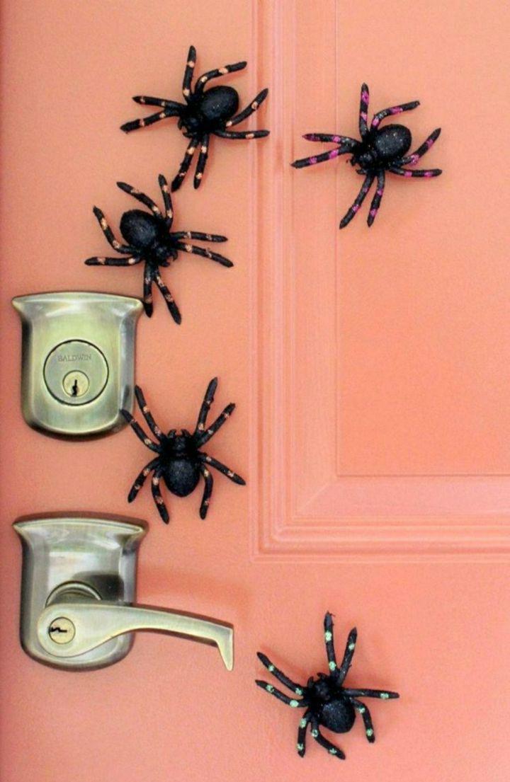 aranas pegadas paredes puertas simples