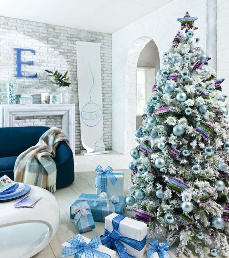 árboles de navidad decorados azul