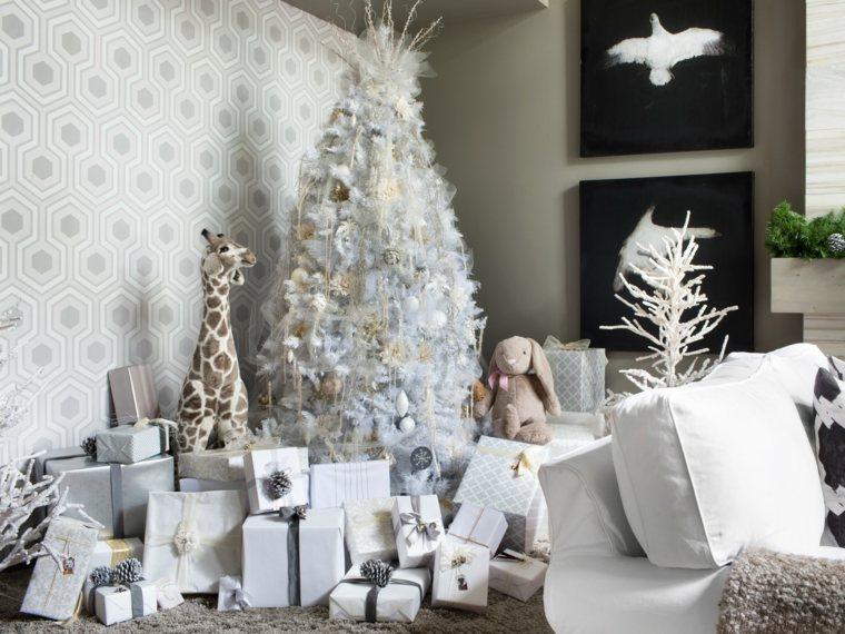 árboles navideños decorados