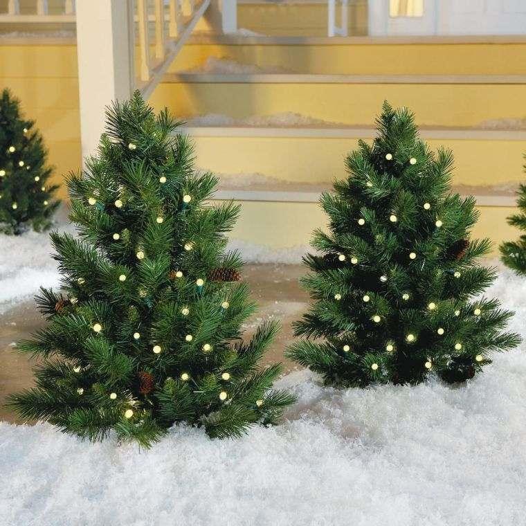 arboles navidad pequenos luces jardin bonito ideas
