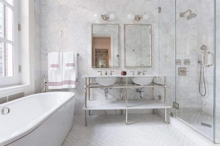 Ba o peque o 38 ambientes ntimos y modernos for Lavabo bano pequeno