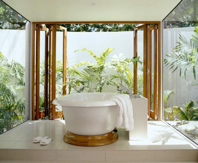 Baños rústicos modernos para el interior y el exterior