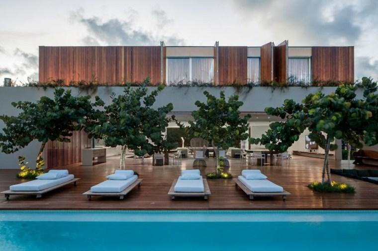 casa en la playa brasil diseno tumbonas arboles jardin ideas
