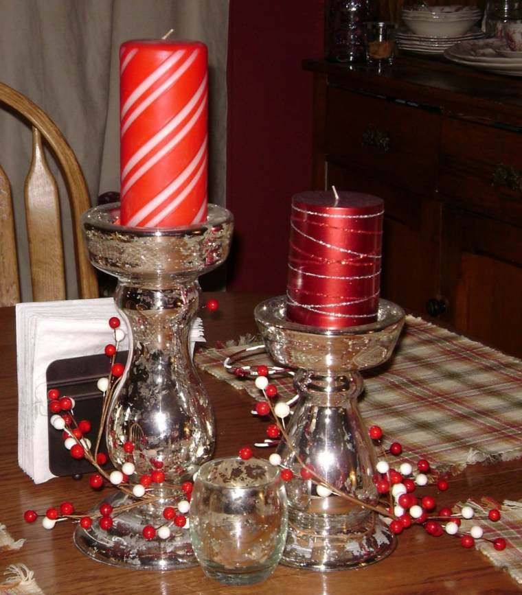 centros mesa sencillos velas rojas