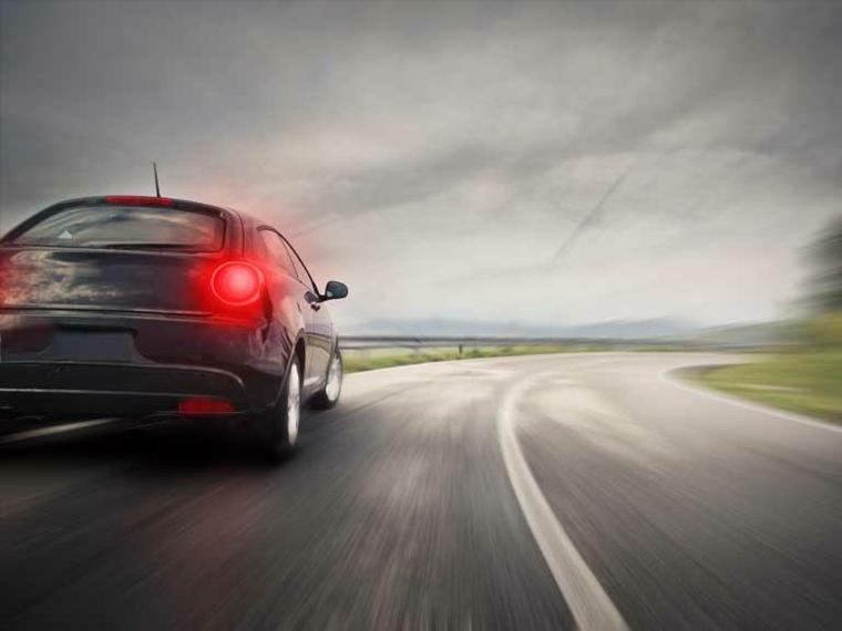 coche carretera imagen frenos luces