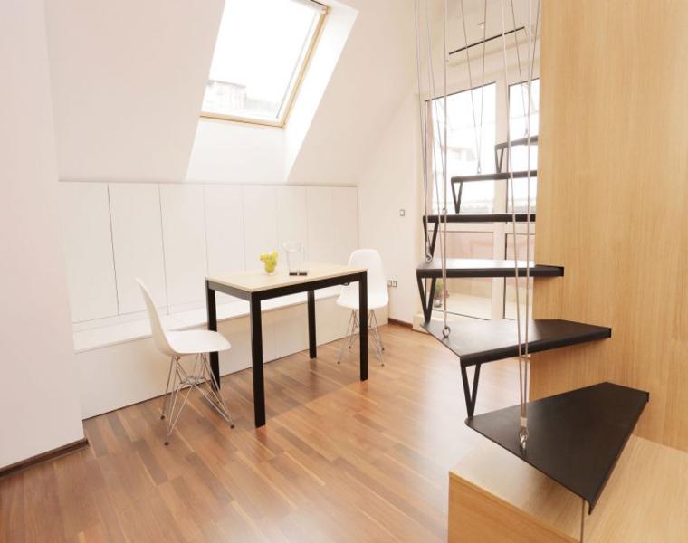 comedor muebles sencillos escalera