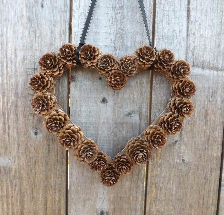 corazon corona piñas pino