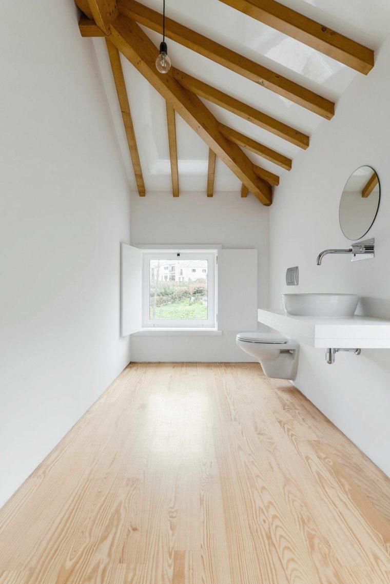 cuarto baño vigas madera