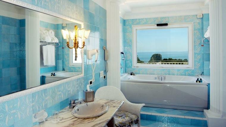 Cuartos de baño pequeños, diseños interesantes -