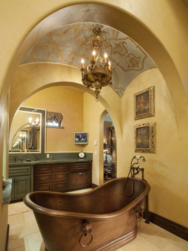 Baño Estilo Mediterraneo: bañera de cobre y la decoración del baño al estilo Mediterráneo