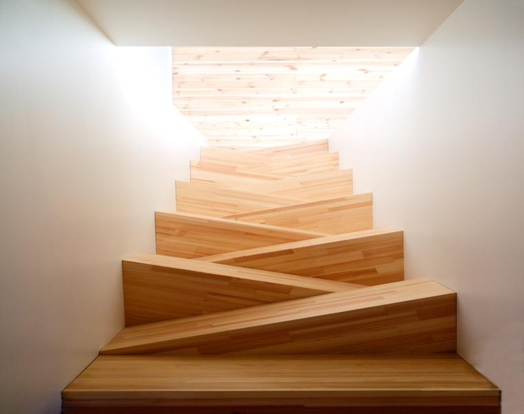 Escaleras modernas descubre los dise os m s inusuales - Peldanos escalera madera ...