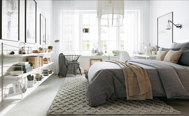 estantes abiertos sillas grises lamparas