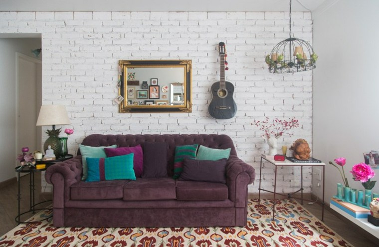 estilo-bohemio-decoracion-interiores-sofa-purpura