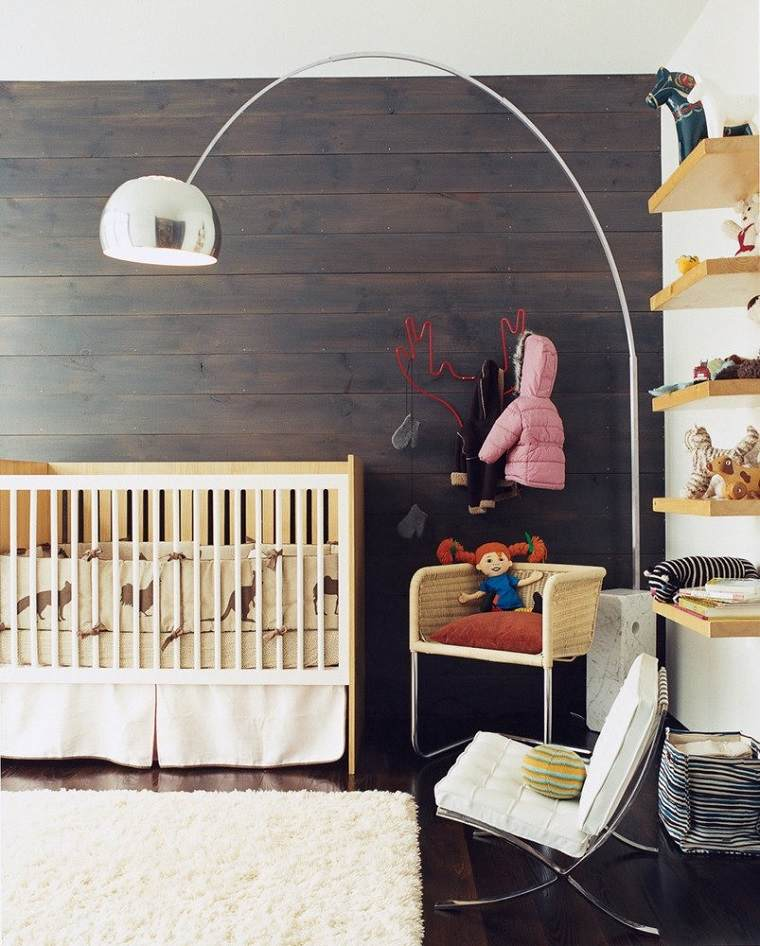 ideas-para-habitacion-de-bebe-pared-madera