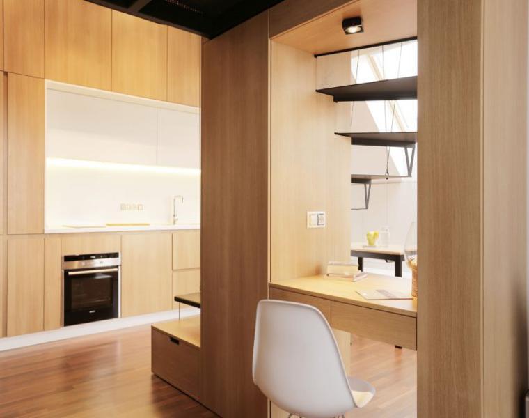 interior moderno revestido madera
