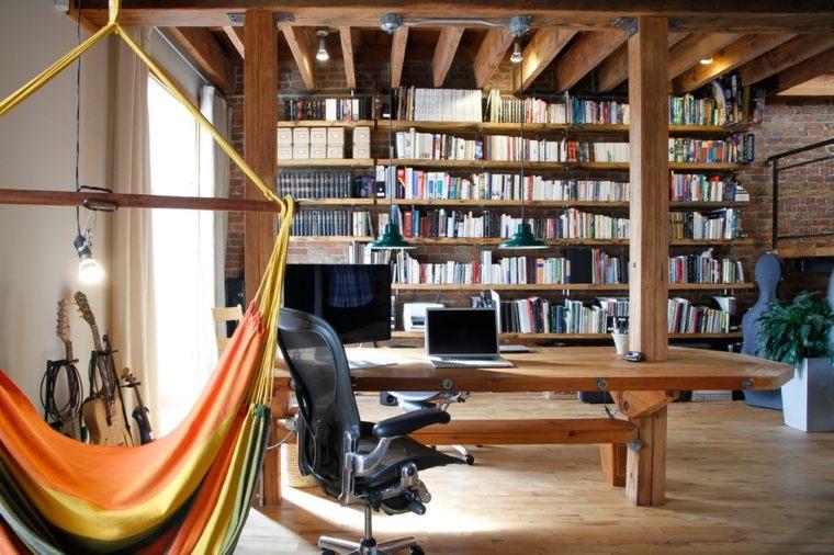interior biblioteca vigas madera