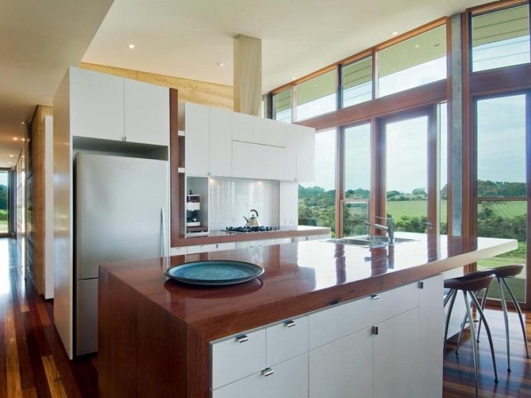 madera brillante lacada isla cocina encimera ideas