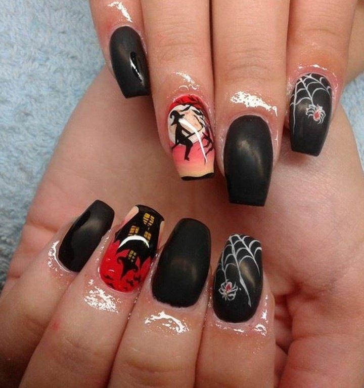 manicura inspirada aranas brujas toques