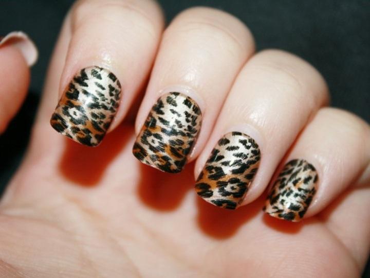 manicura leopardos casas efectos manos