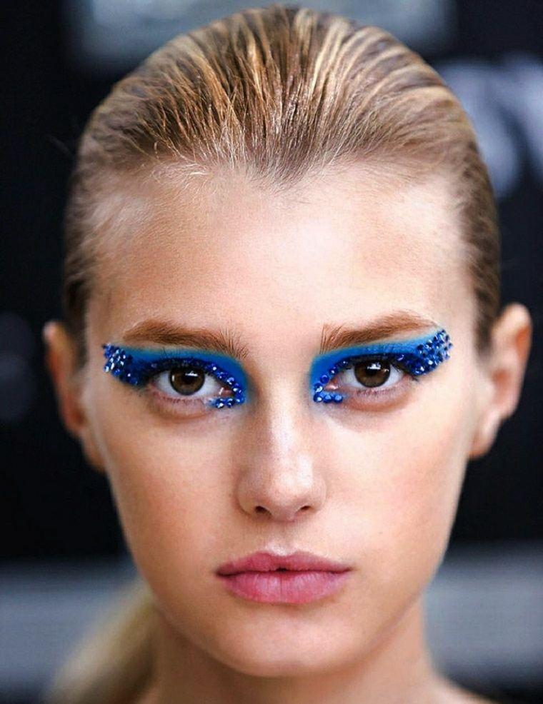 maquillaje de halloween azul piedras brillantes ideas