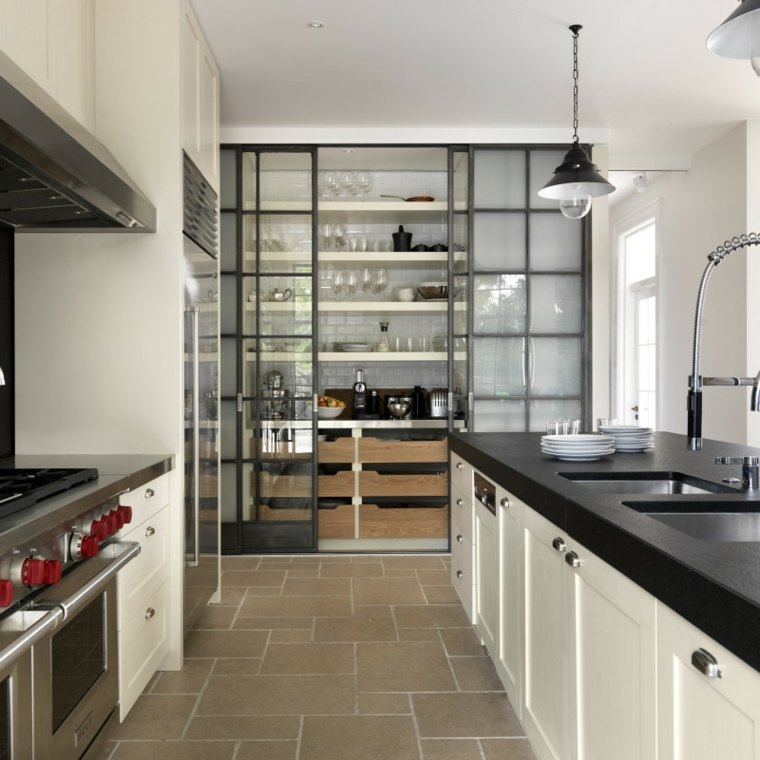 Despensas de cocina para ganar espacio - Alicatar cocina detras muebles ...