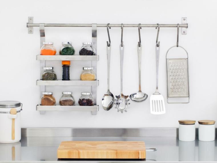 Organizar la cocina y ganar espacio for Accesorios para organizar cocina