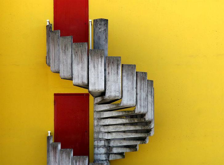original diseño escalera caracol cemento