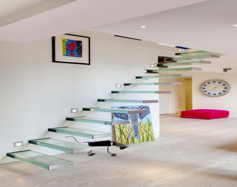 originales diseños escaleras vidrio suspendidas