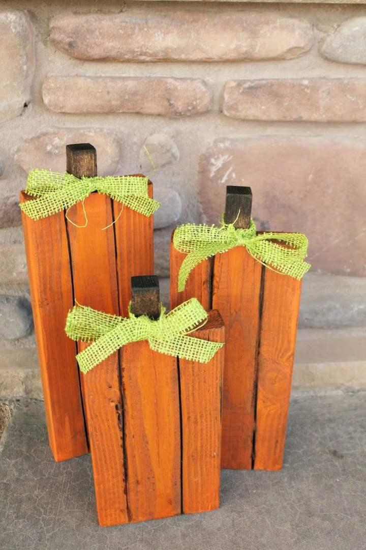 piezas madera recopiladas pintadas antiguos