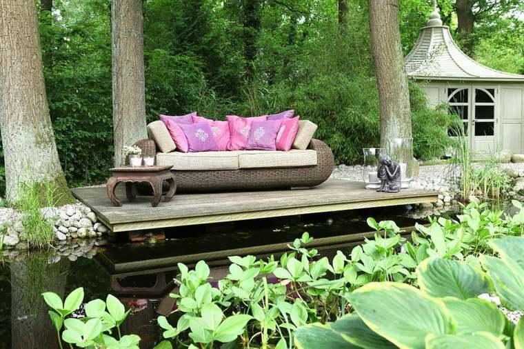 plataforma madera estanque jardin
