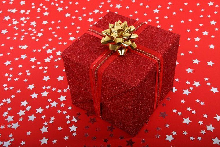regalo de navidad envoltorio rojo
