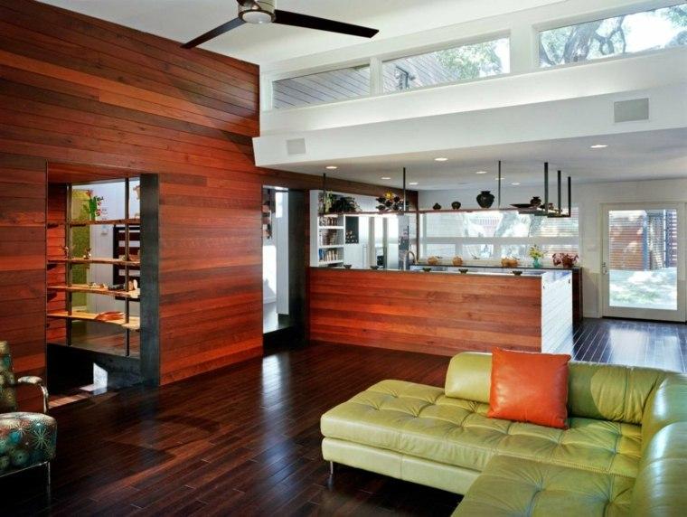 salon cocina acentos madera roja
