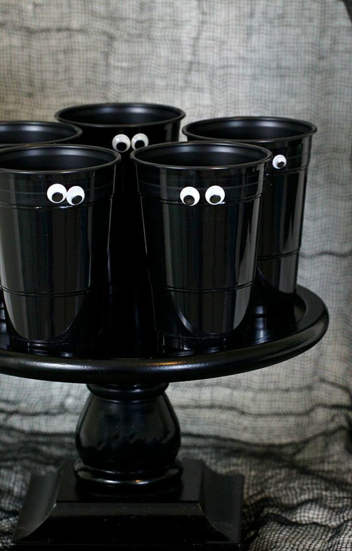 vasos transformados facilmente pintura figuras