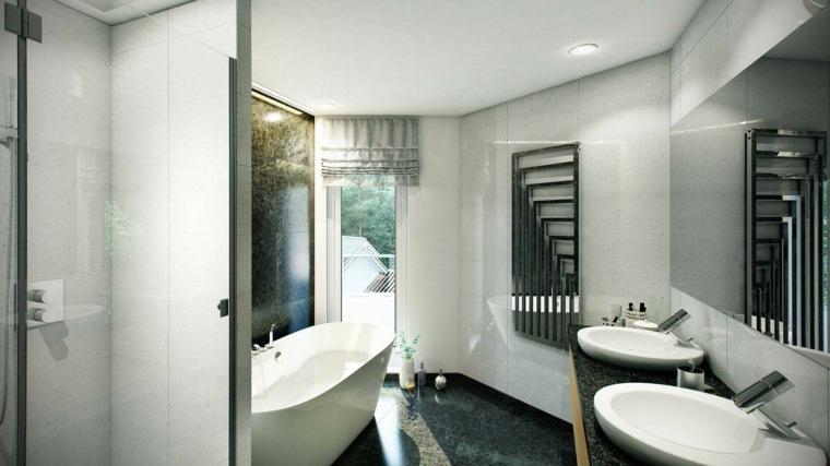 bano banera negra lavabos y espejo grande