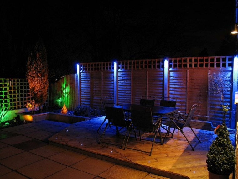 iluminacion exterior de varios colores